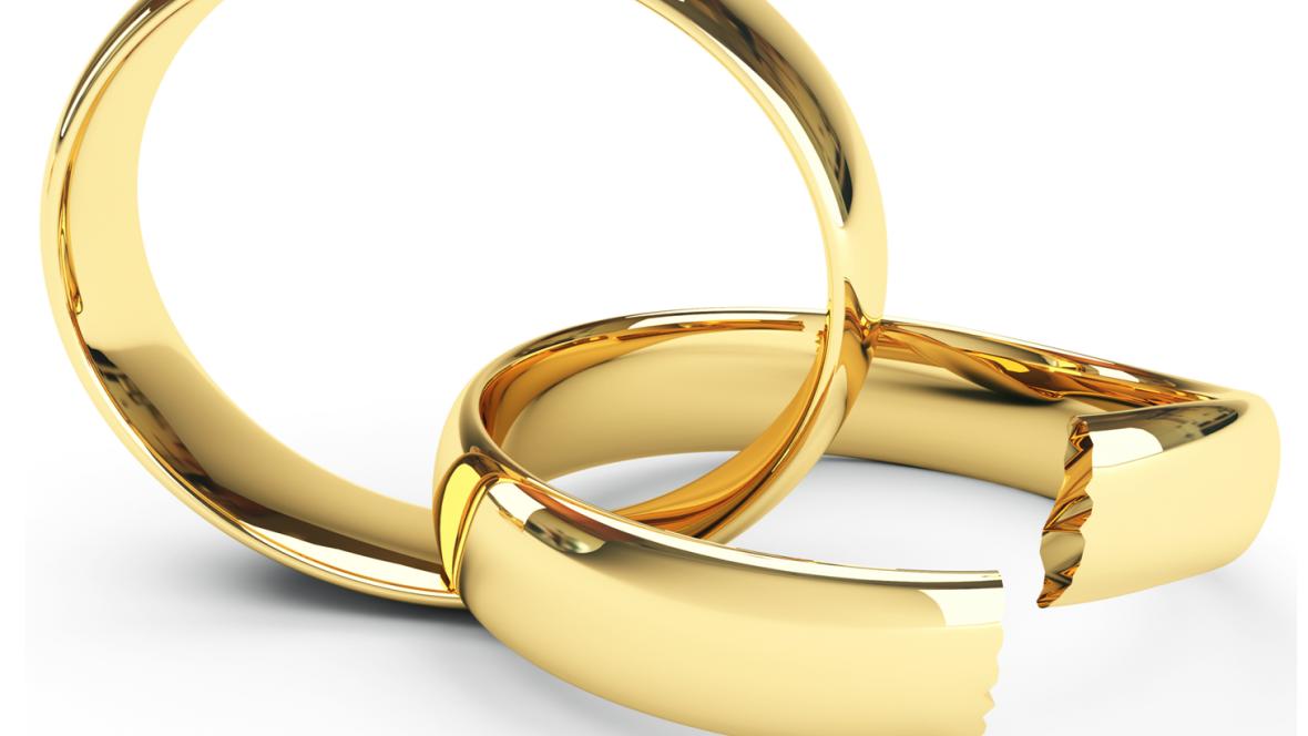Radio 5 Actualidad - Descienden los divorcios en el segundo trimestre del año - 17/10/16 - Escuchar ahora