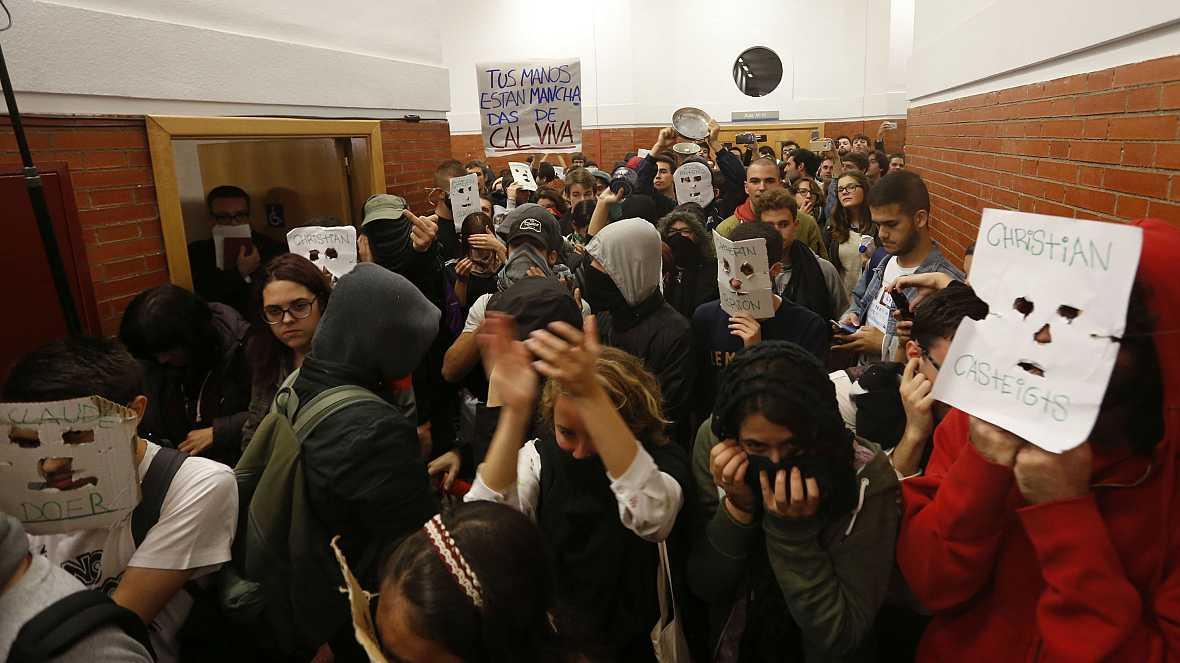 Diario de las 2 - Felipe González suspende un coloquio por protestas estudiantiles - Escuchar ahora