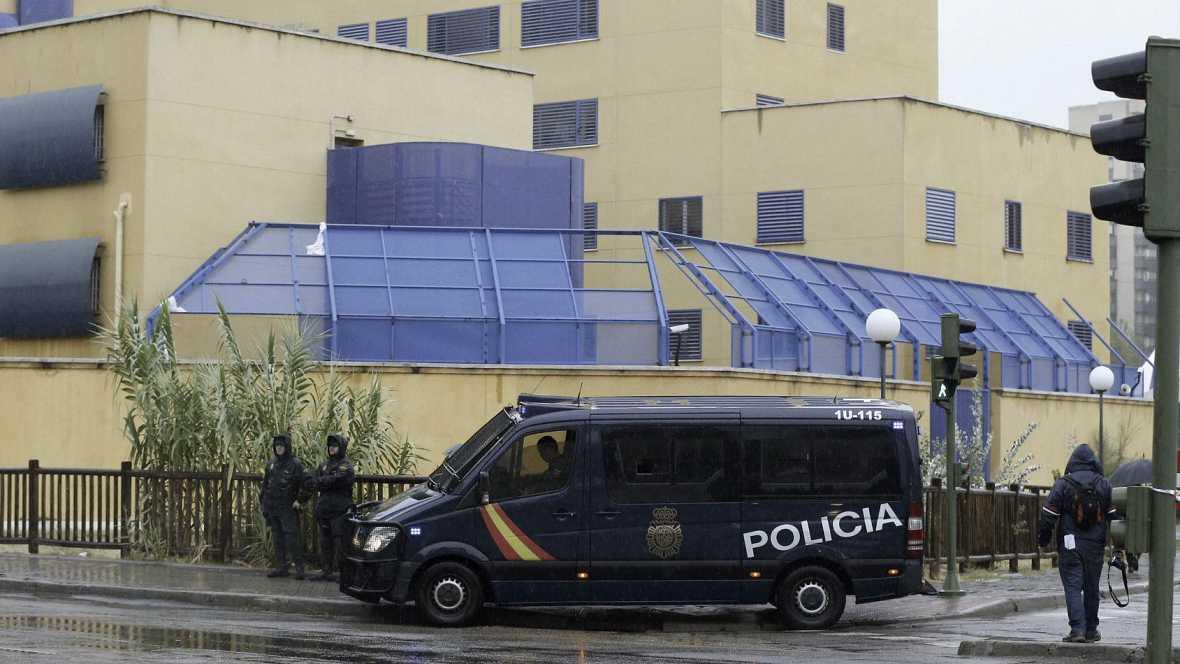 Diario de las 2 - El CIE de Madrid vuelve a la normalidad tras la revuelta - Escuchar ahora