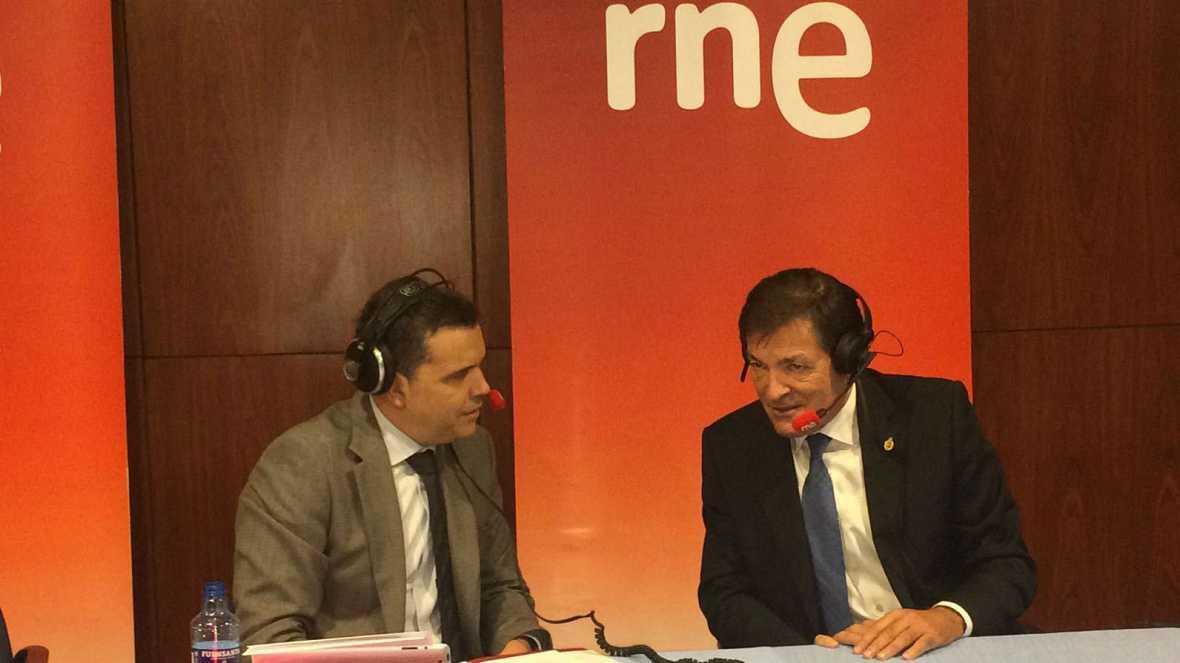 """Las mañanas de RNE - Javier Fernández (PSOE): """"El 'no' se enquistó y hemos tardado demasiado en tener un debate"""" - Escuchar ahora"""