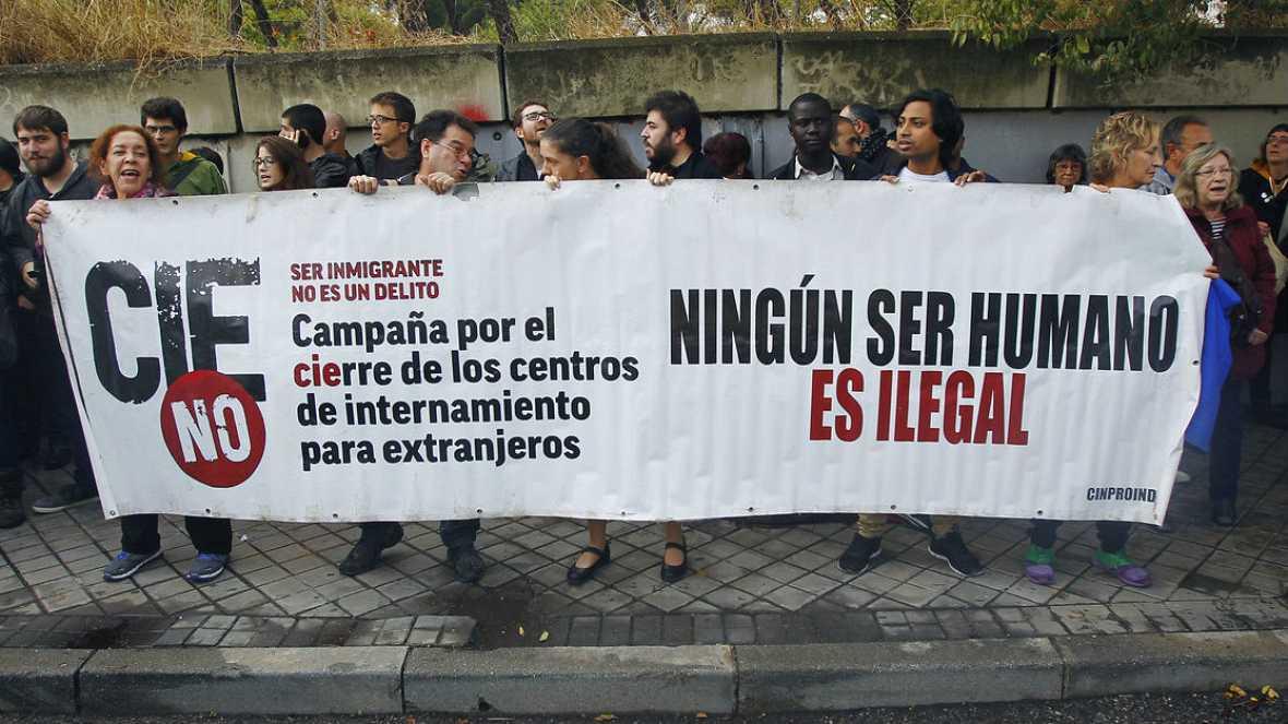 Los internos del CIE de Aluche ponen fin a la huelga - Escuchar ahora