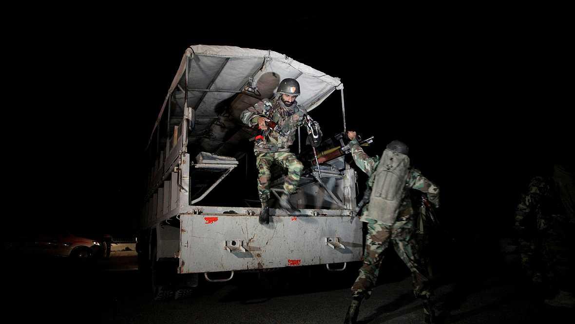 Las mañanas de RNE - Un ataque a una academia de policía paquistaní provoca más de 60 muertos - Escuchar ahora