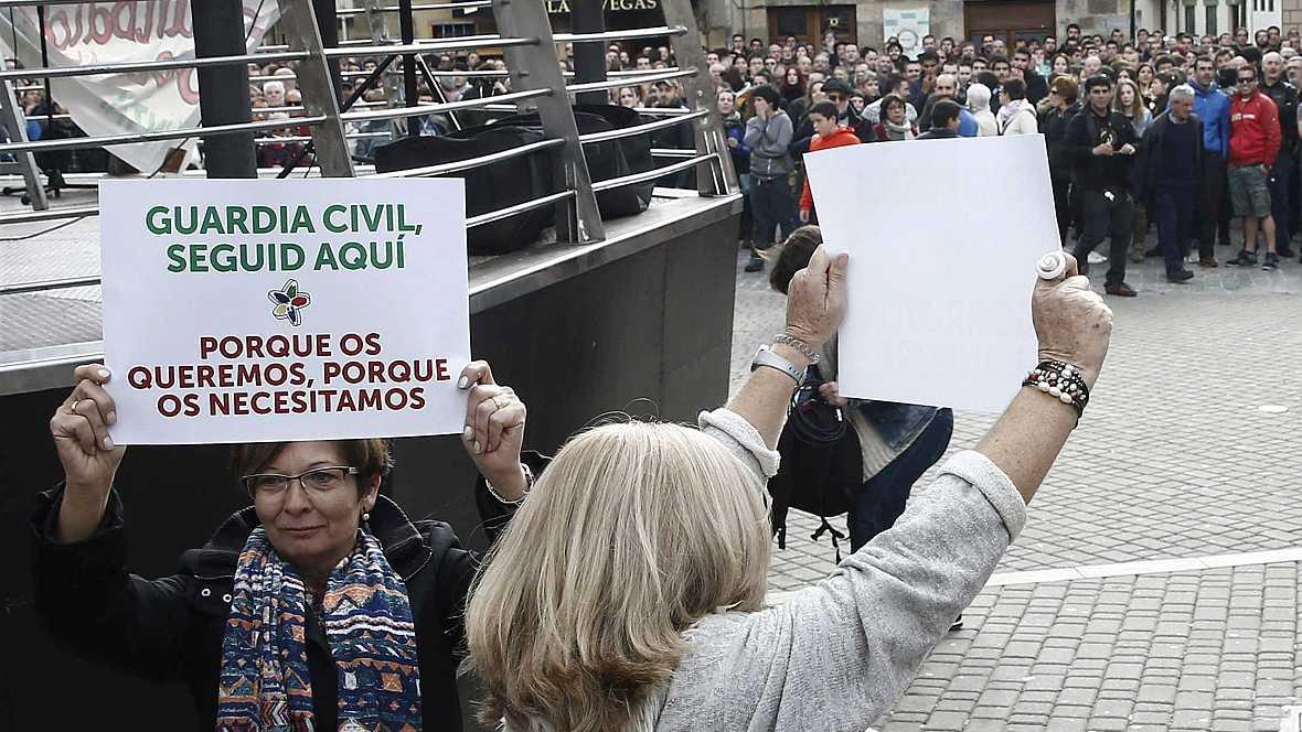 Boletines RNE - La AN investigará la agresión a dos Guardias Civiles en Alsasua - 26/10/16 - Escuchar ahora