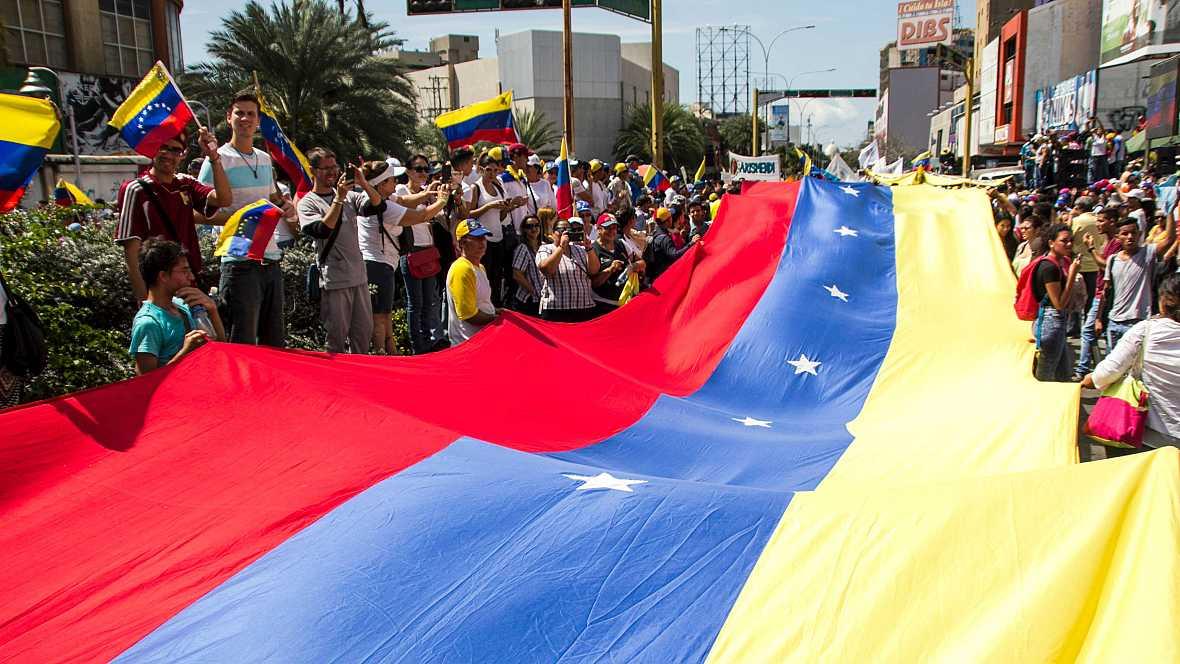 Boletines RNE - Marchas multitudinarias en Venezuela contra Maduro - 27/10/16 - Escuchar ahora
