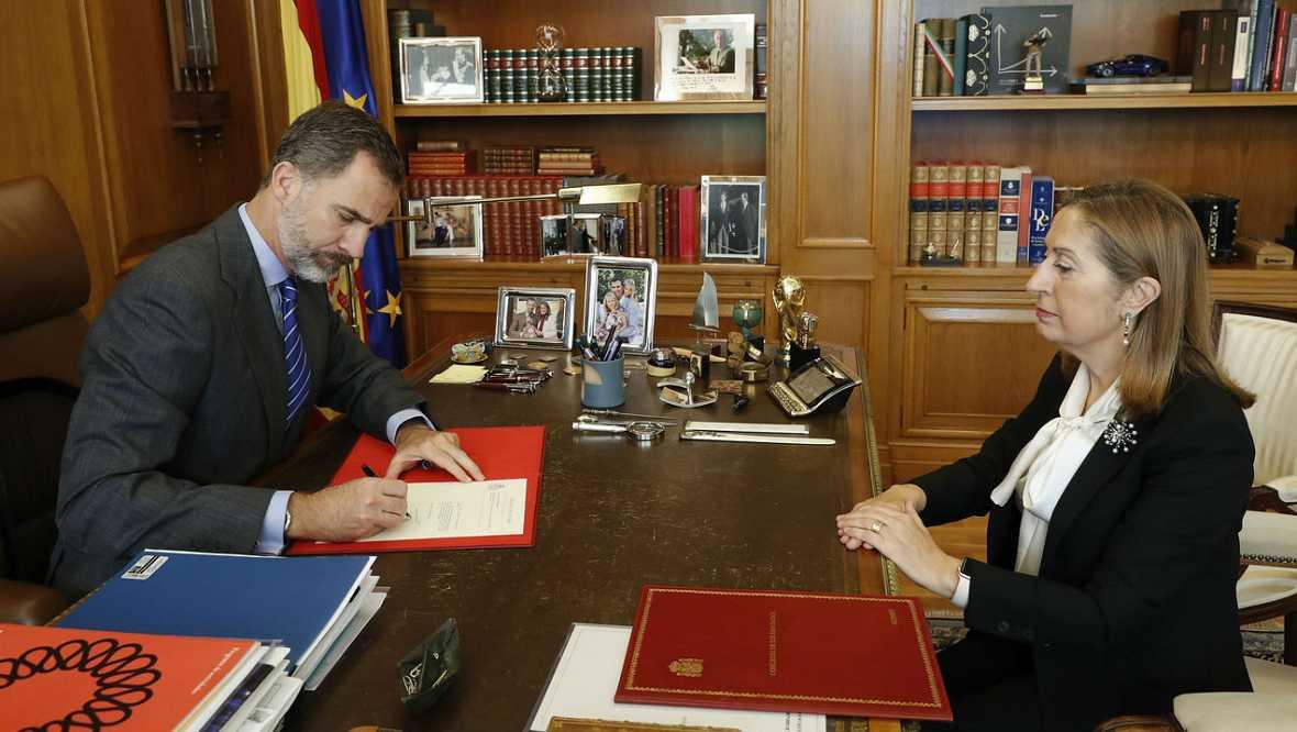 Boletines RNE - El Rey ya ha firmado el decreto de nombramiento de Rajoy - Escuchar ahora