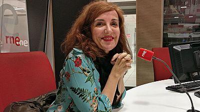 Gente despierta - Elvira Lindo recopila sus artículos de 'El País' en 'Tinto de verano' - Escuchar ahora