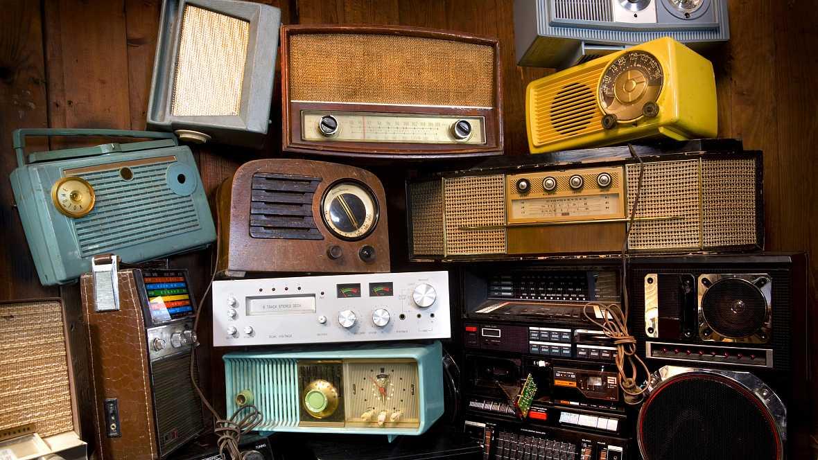 Amigos de Radio Exterior de España - Día Mundial de la Radio - 13/02/17 - escuchar ahora