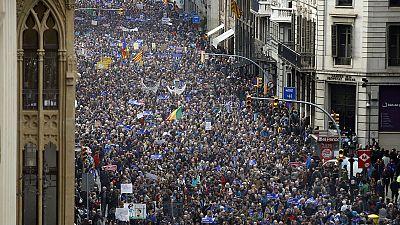 Informativos fin de semana - 24 horas - Barcelona acoge la manifestación más numerosa de Europa por la acogida de refugiados - Escuchar ahora