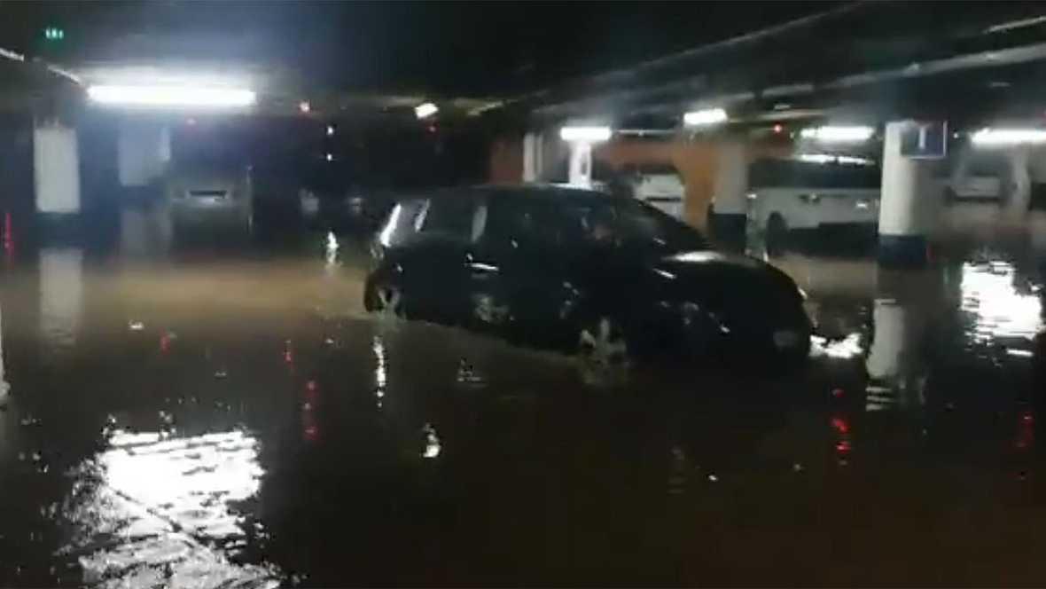 Una tromba de agua y granizo causa inundaciones y destrozos en Málaga