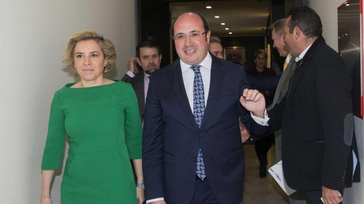 Diario de las 2 - Todos los grupos exigen la dimisión de Pedro Antonio Sánchez, citado a declarar comoinvestigado - Escuchar ahora
