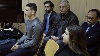 Radio 5 Actualidad - Lucas Hernández y su novia condenados a 31 días de trabajos a la comunidad - 27/02/17 - Escuchar ahora