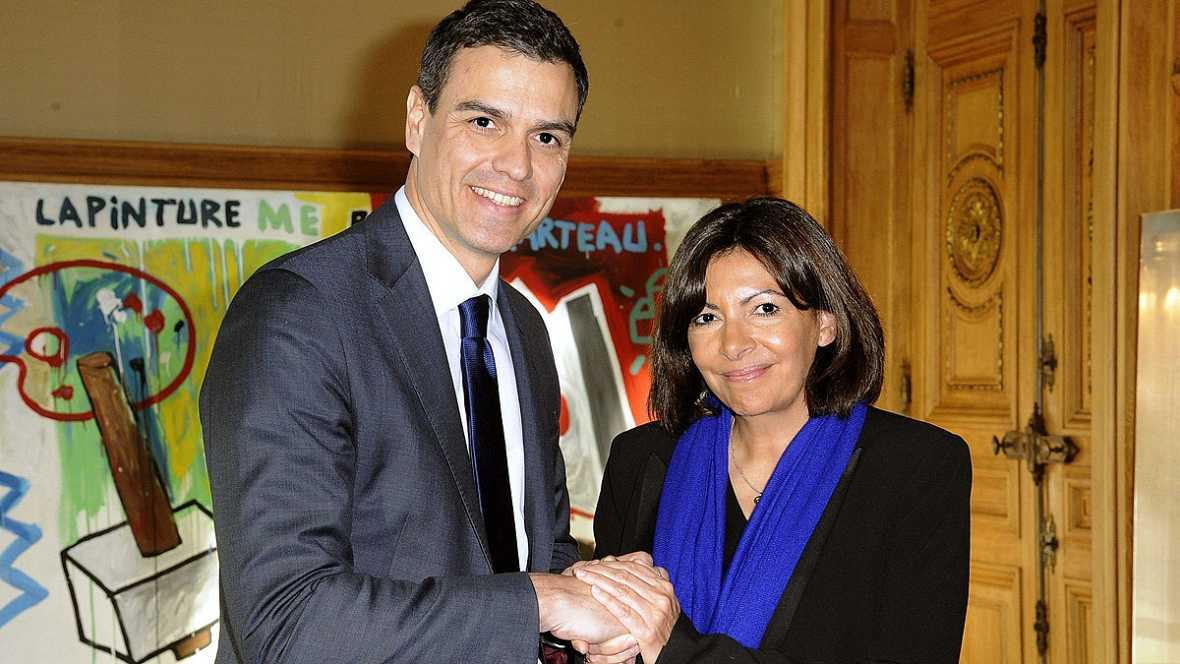 """La alcaldesa de París apoya a Pedro Sánchez: """"La socialdemocracia europea necesita líderes como tú"""""""