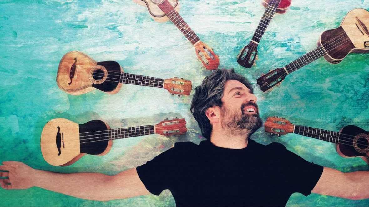 Emissão em português - Daniel Pereira Cristo apresenta na Espanha seu Cavaquinho cantado - 18/03/17 - escuchar ahora