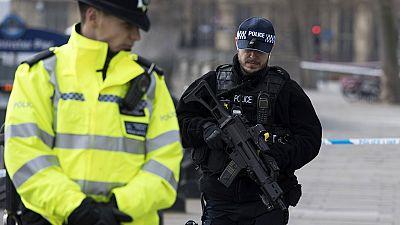 Diario de las 2 - El autor del atentado de Londres era británico y había sido investigado por el MI5 - Escuchar ahora