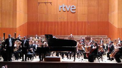 Fila cero - Orquesta Sinfónica y Coro de RTVE - 24/03/17 - escuchar ahora