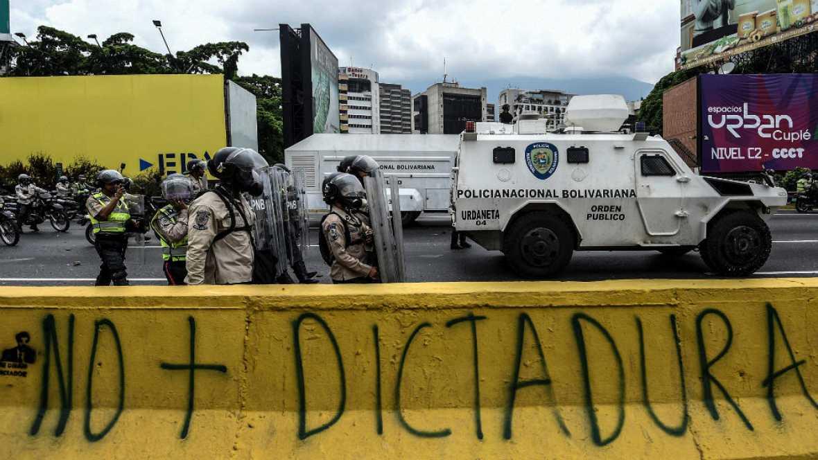 Radio 5 Actualidad - En Venezuela continúan las protestas contra Maduro - Escuchar ahora