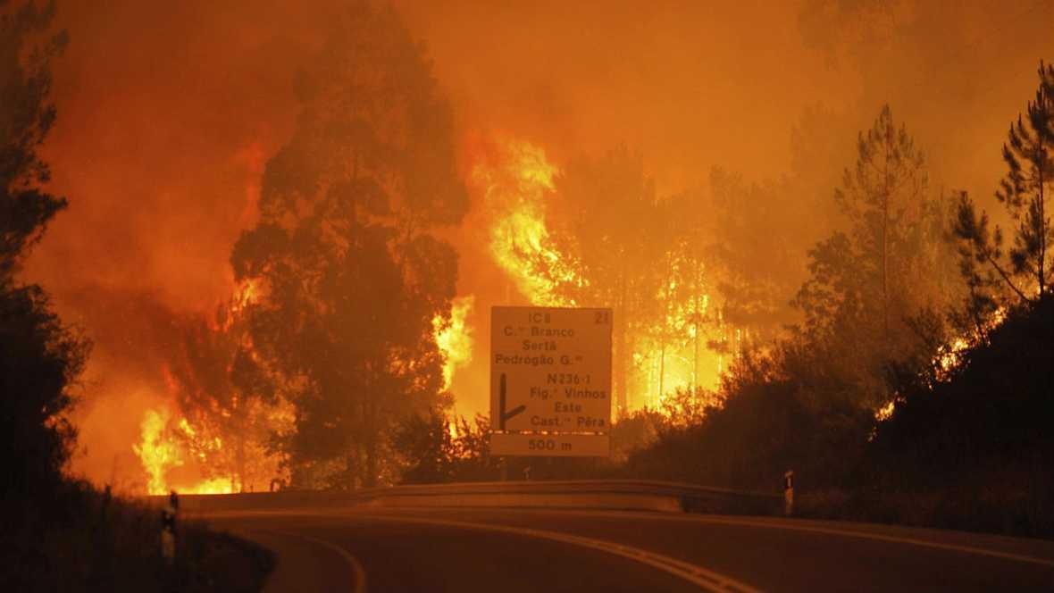 Informativos fin de semana - 14 horas - Tres días de luto, estado de emergencia y de momento 62 muertos y 54 heridos en Portugal  - Escuchar ahora