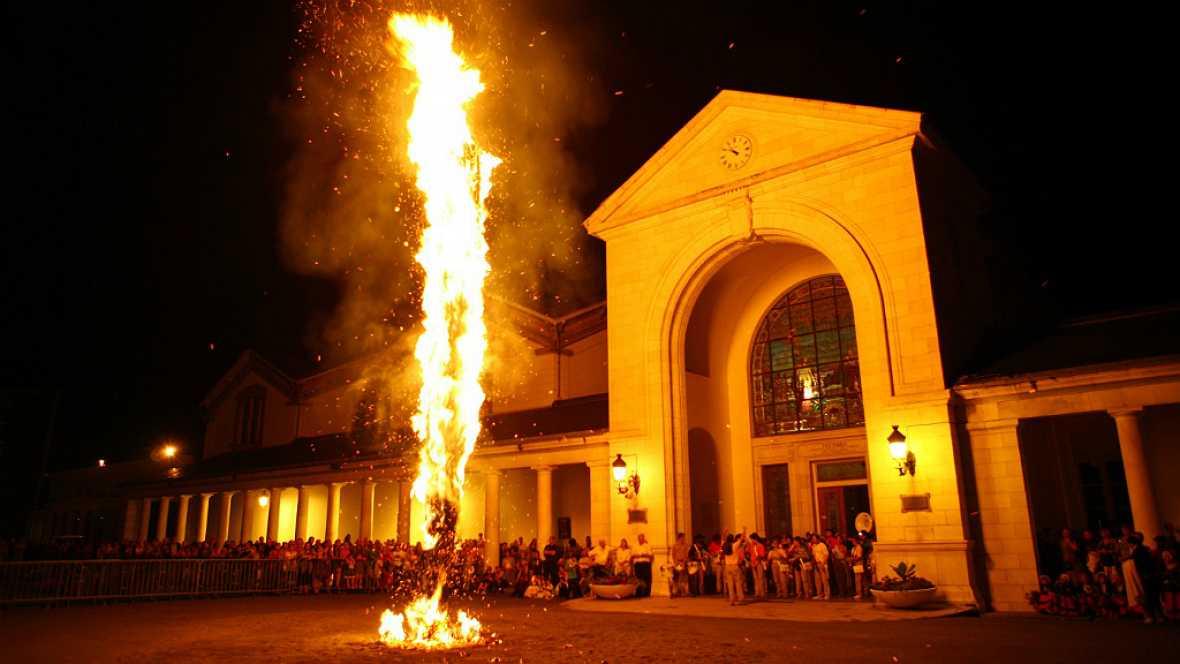 Escapadas - Fiestas del fuego en los Pirineos - 19/06/17 - Escuchar ahora