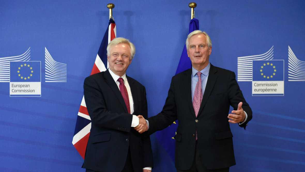 Radio 5 Actualidad - Comienzan en fecha las negociaciones del 'brexit' - 19/06/17 - Escuchar ahora