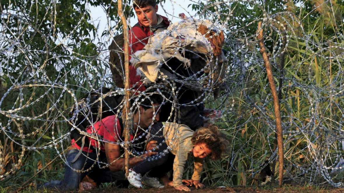 Entre paréntesis - Empeora la crisis de los refugiados - Escuchar ahora