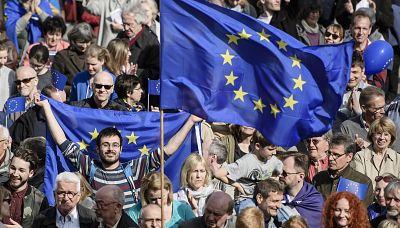 """Europa abierta - """"Se abre una ventana de oportunidad para relanzar el proyecto europeo"""" - Escuchar ahora"""