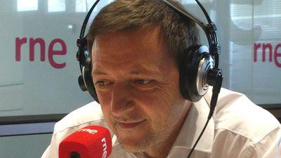 """No es un dia cualquiera - Ignacio Martínez de Pisón: """"El pasado está al servicio del presente"""" - Escuchar ahora"""