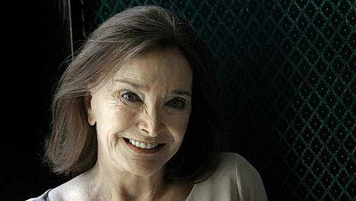 """No es un día cualquiera - Núria Espert: """"El teatro ayuda a pasar el trago de la vida"""" - Escuchar ahora"""
