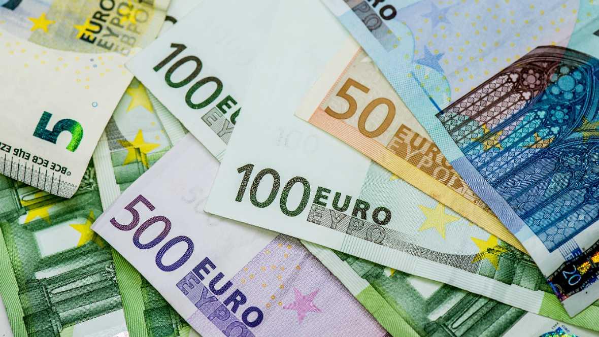 Finanzas para todos los públicos - El uso de efectivo, en caída libre - 17/07/17 - Escuchar ahora