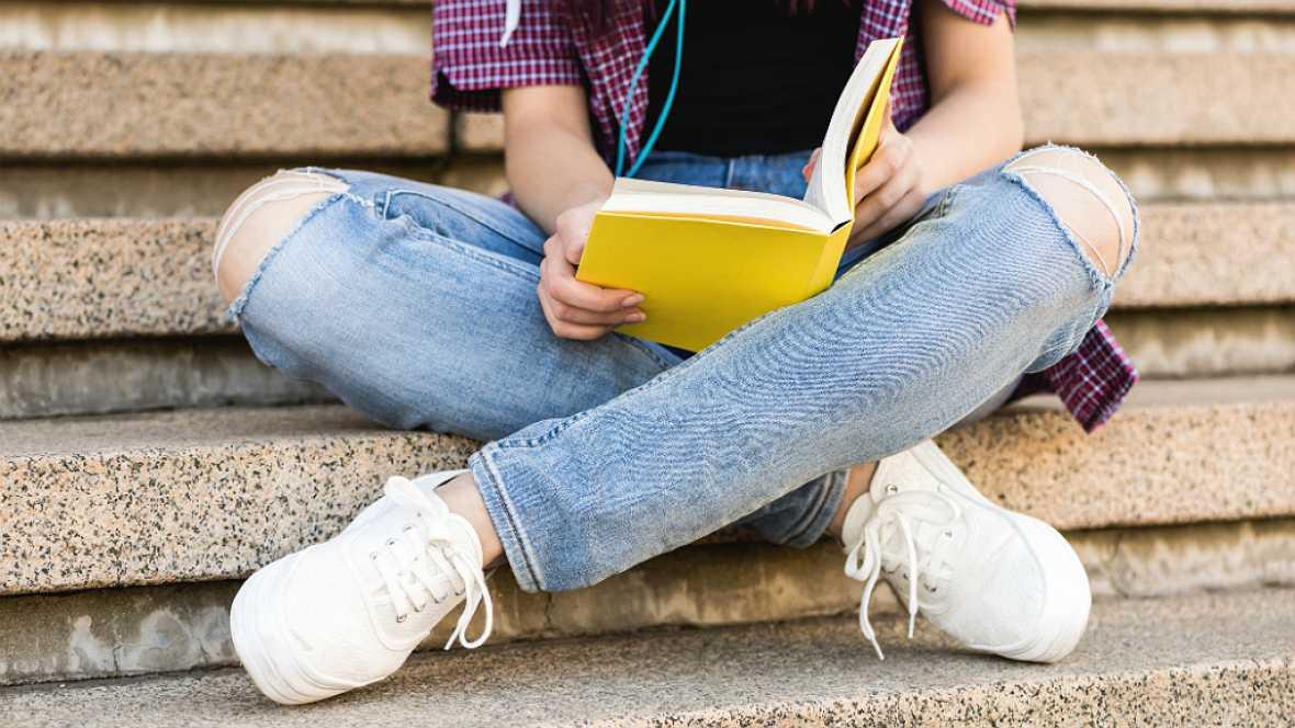 Por la educación - Fomento de la lectura entre los jóvenes - 17/07/17 - Escuchar ahora