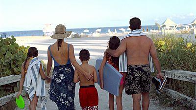 España vuelta y vuelta - Este verano quiérete mucho - 27/07/17 - Escuchar ahora