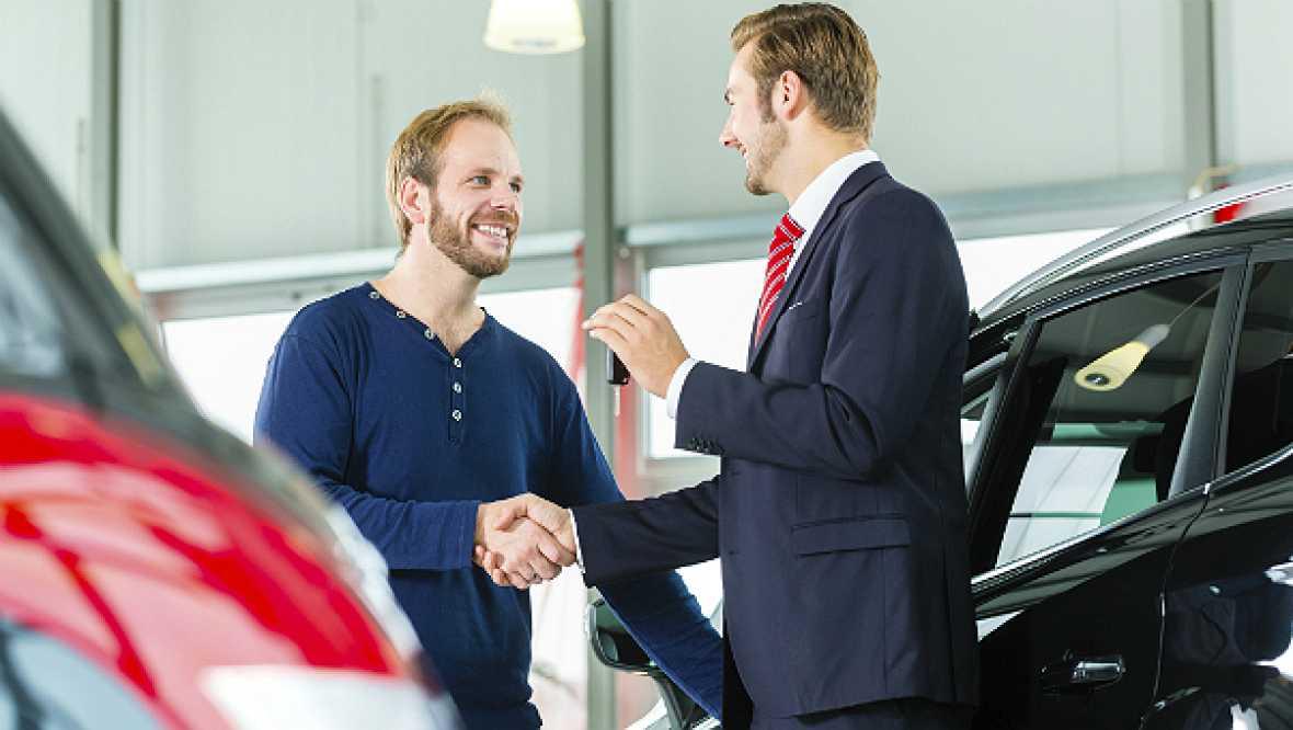 Finanzas para todos los públicos - ¿Qué es mejor, comprar o alquilar coche? - 25/09/17 - Escuchar ahora