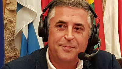 No es un día cualquiera - José Antonio Oteo - Escuchar ahora