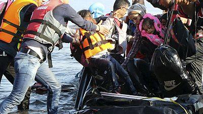 Entre paréntesis - Grecia traslada a los refugiados más vulnerables - Escuchar ahora