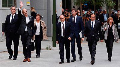 Los exconsejeros catalanes encarcelados estudian declarar que van a actuar dentro del marco constitucional