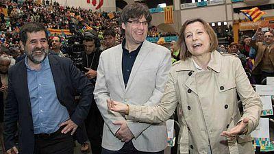 24 horas - PDeCAT y ERC completan sus listas del 21-D con nombres destacados del independentismo - Escuchar ahora