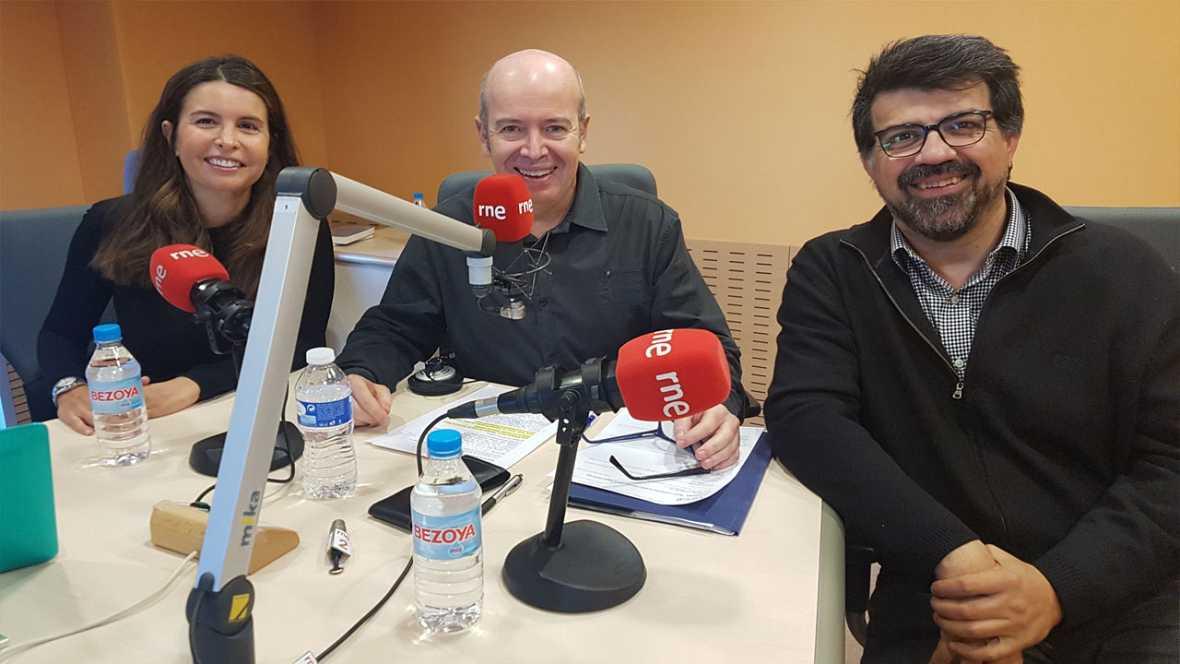 Econòmix - 'Com fan negoci a Internet els grans actors com Google?' amb Inma Rodríguez-Ardura i Genis Roca