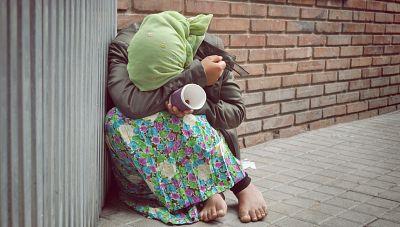 Sumando esfuerzos - Coloquio: Pobreza cero, desigualdad obscena, Conocemos a Paideia - 25/11/17 - escuchar ahora