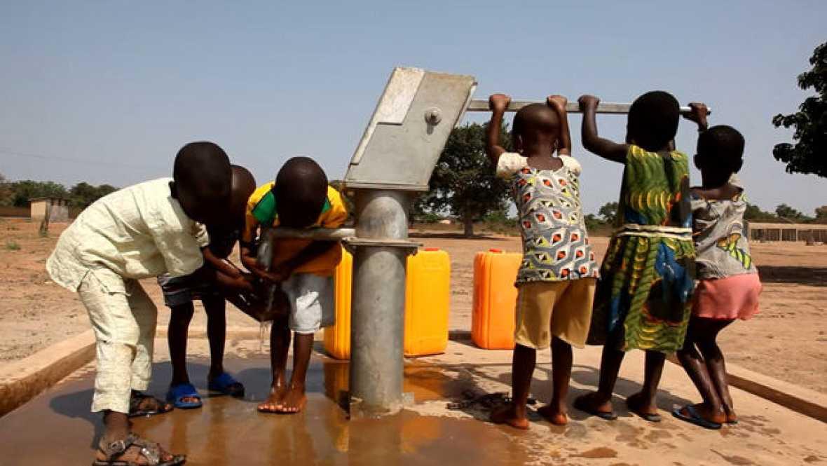 Mundo solidario - Auara y el drama del agua en África - 10/12/17 - Escuchar ahora