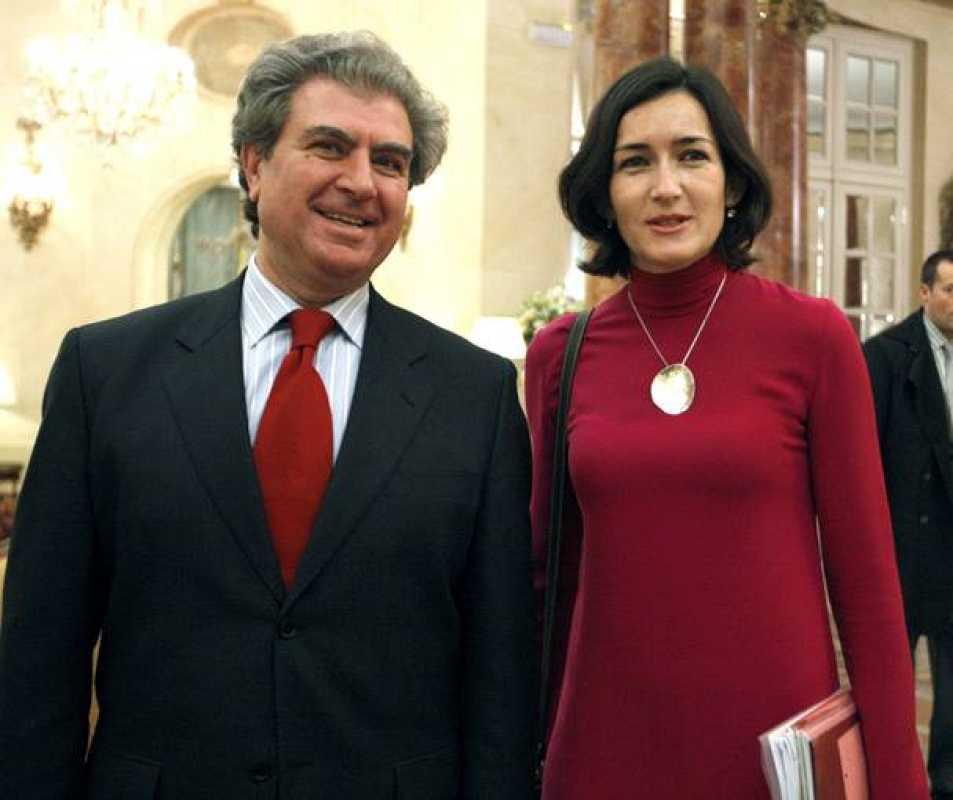 César Antonio Molina seguirá al frente del Ministerio de Cultura.