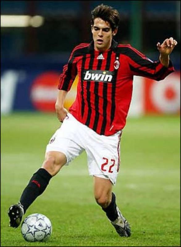 Kaká durante un partido con el Milán, su anterior equipo.