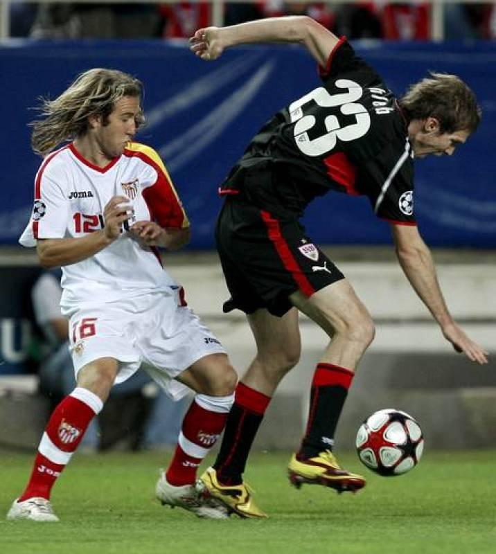 Diego Capel, en la imagen con Hleb, fue una pesadilla para Boularuz, que terminó siendo sustituido.