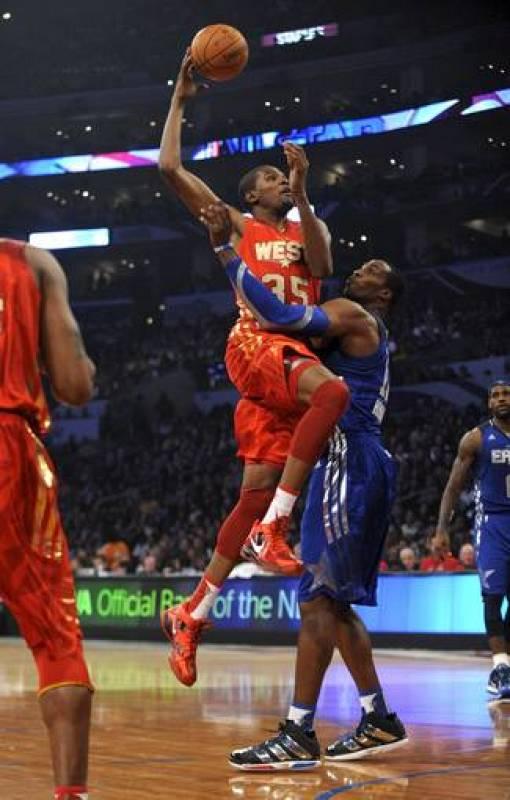 PARTIDO DE LAS ESTRELLAS DE LA NBA: CONFERENCIA ESTE-CONFERENCIA OESTE