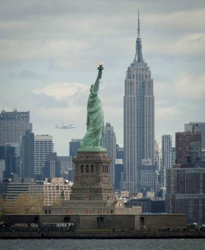 EL TRANSBORDADOR ESPACIAL ENTERPRISE INICIÓ VUELO FINAL A NUEVA YORK