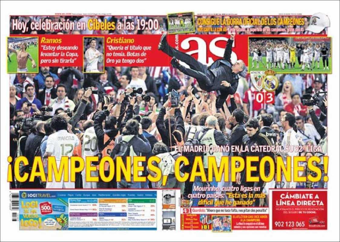 """El diario deportivo As une portada y contraportada para titular """"¡Campeones, campeones!"""" ante la consecución de la 32ª Liga del Real Madrid. El manteo de Mourinho, con el puño izquierdo en alto, es la foto que llena la doble portada."""