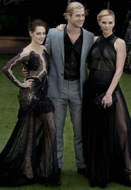 Kristen Stewart, Chris Hemsworth y Charlize Theron
