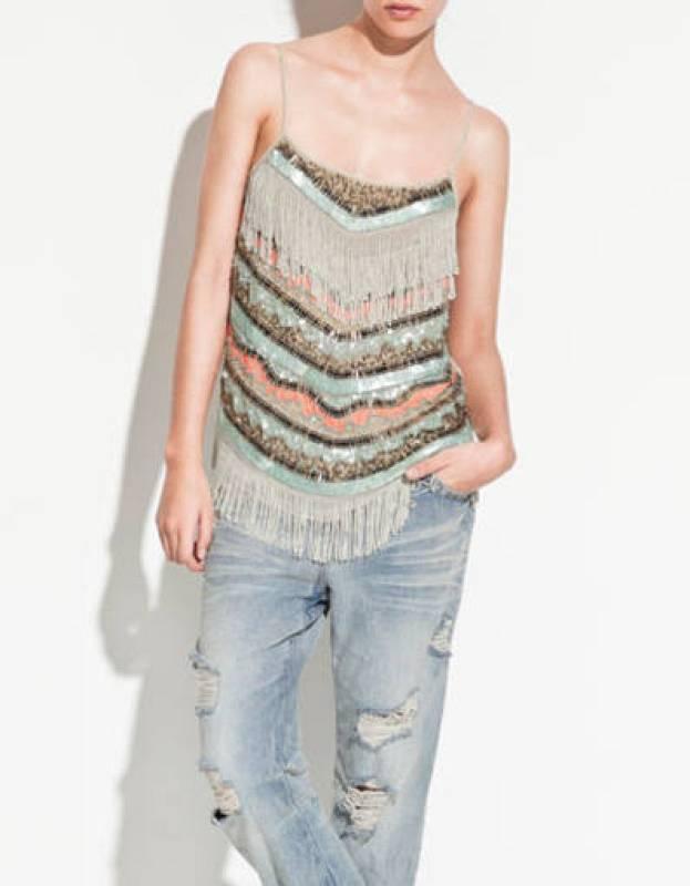 Cuerpo con lentejuelas y flecos de Zara (39,95 EUR)