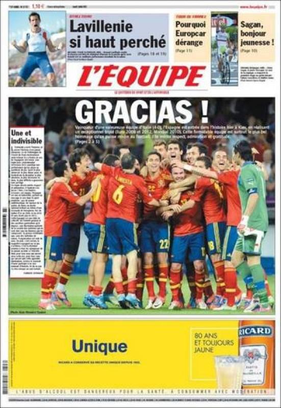 """""""¡Gracias!"""", titula en español el diario deportivo """"L'Équipe"""" en portada sobre la foto de los campeones de Europa celebrando su triunfo."""