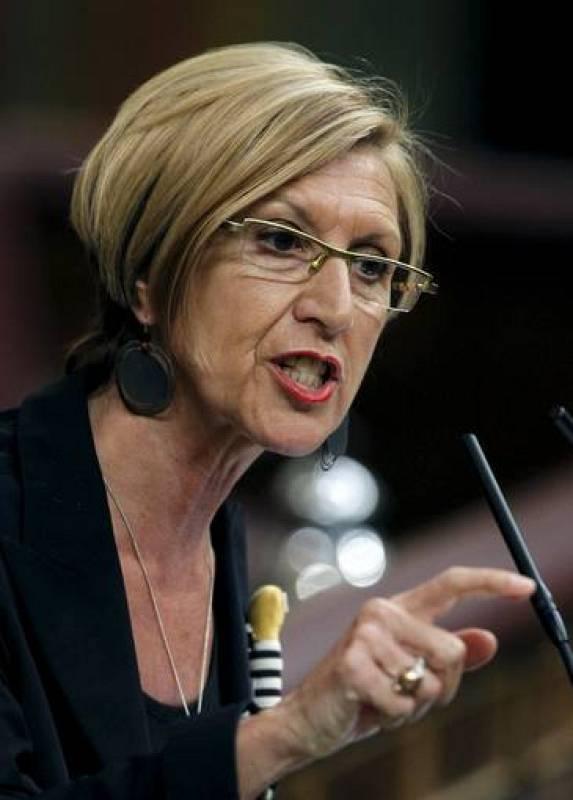 La lider de UPyD Rosa Diez se dirige a Rajoy en el Congreso