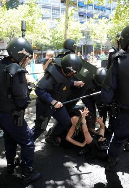 Cargas policiales en la marcha minera