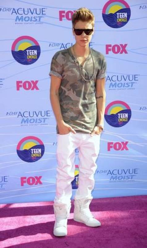 Justin Bieber gana cuatro premios en los Teen Choice 2012